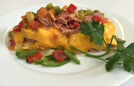 Cheesy Omelet with Ham